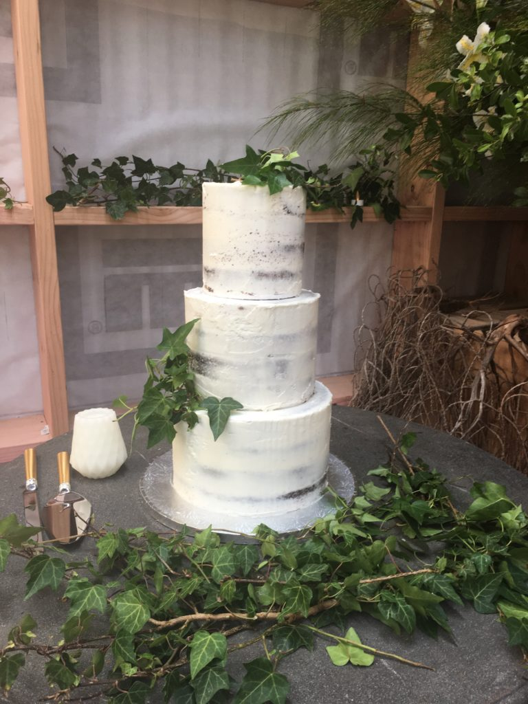3 tire wedding cake