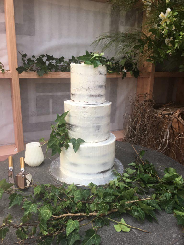 3 tire wedding cake